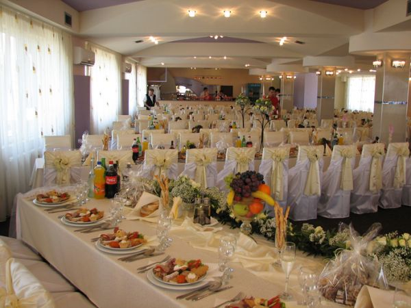 Restaurantul Marul De Aur